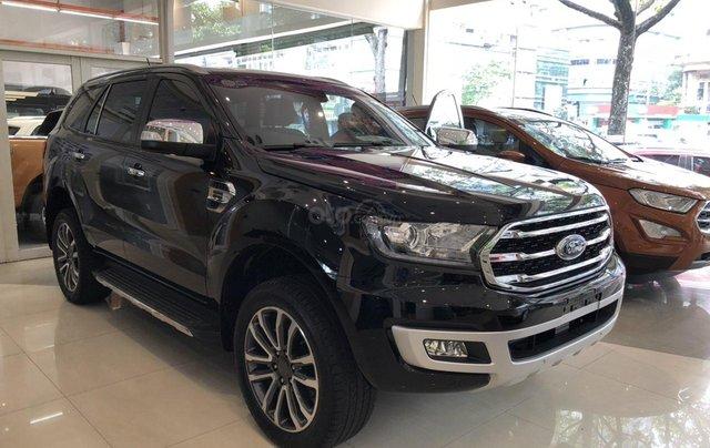 Cần bán Ford Everest Titanium năm sản xuất 2019, xe nhập1