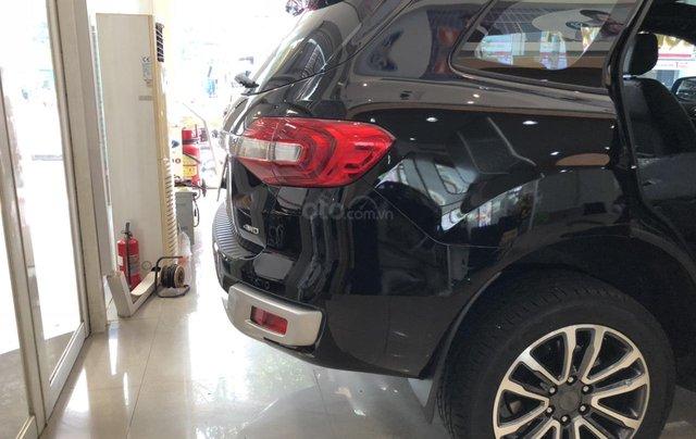 Cần bán Ford Everest Titanium năm sản xuất 2019, xe nhập3