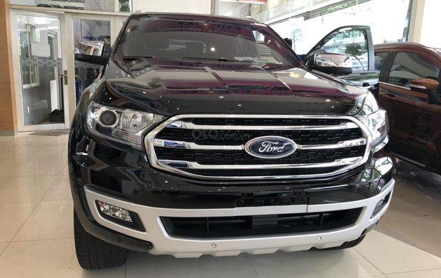 Cần bán Ford Everest Titanium năm sản xuất 2019, xe nhập0