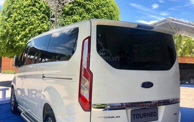 Ford Tourneo 2019 sắp ra mắt Việt Nam1
