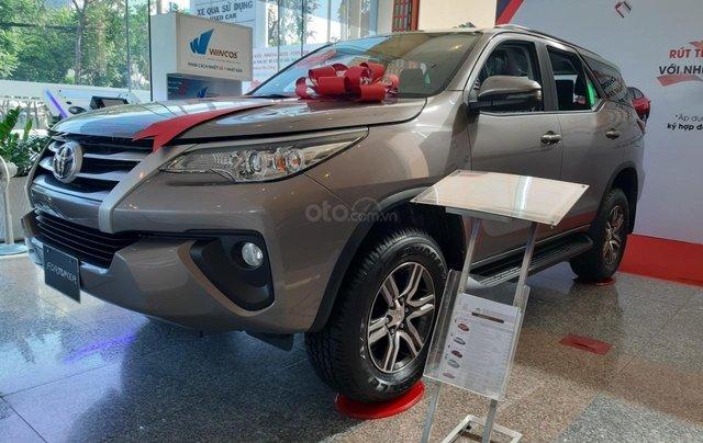 Toyota Fortuner 2019 máy dầu-mừng lễ quốc khánh 2/9 khuyến mãi cực lớn-trả 320 triệu nhận xe-LH 0901.92.33.991
