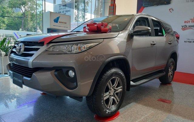 Toyota Fortuner 2019 máy dầu-mừng lễ quốc khánh 2/9 khuyến mãi cực lớn-trả 320 triệu nhận xe-LH 0901.92.33.994
