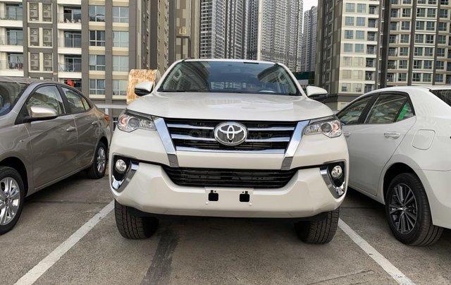 Toyota Fortuner 2019 máy dầu - mừng lễ quốc khánh 2/9 khuyến mãi cực lớn - trả 320 triệu nhận xe - LH 0901.92.33.990