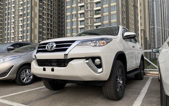 Toyota Fortuner 2019 máy dầu - mừng lễ quốc khánh 2/9 khuyến mãi cực lớn - trả 320 triệu nhận xe - LH 0901.92.33.993