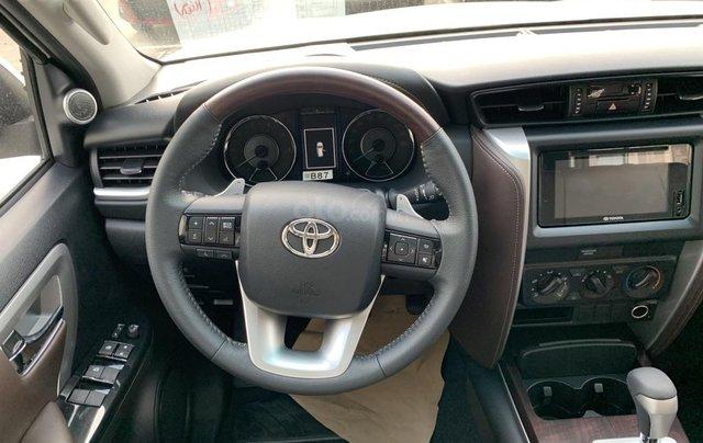 Toyota Fortuner 2019 máy dầu - mừng lễ quốc khánh 2/9 khuyến mãi cực lớn - trả 320 triệu nhận xe - LH 0901.92.33.997