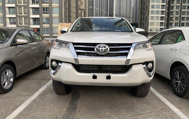Toyota Fortuner 2019 máy dầu - mừng lễ quốc khánh 2/9 khuyến mãi cực lớn - trả 320 triệu nhận xe - LH 0901.92.33.992