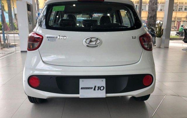 Bán Hyundai Grand i10 2019, màu trắng, 399tr2