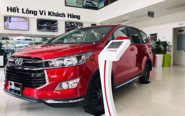 Cần bán Toyota Innova Venturer sản xuất 2019, màu đỏ4