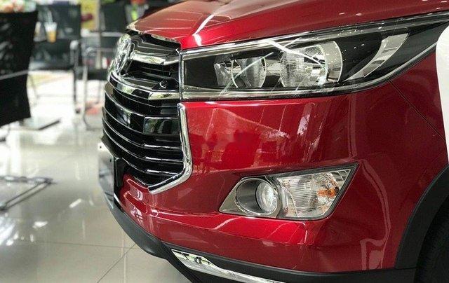 Cần bán Toyota Innova Venturer sản xuất 2019, màu đỏ2
