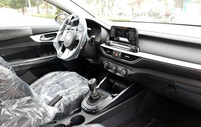 Kia Cerato 1.6 số sàn, giảm ngay 10tr + Đưa trước 180tr lấy xe + tặng bộ phụ kiện, LH ngay 09339205646