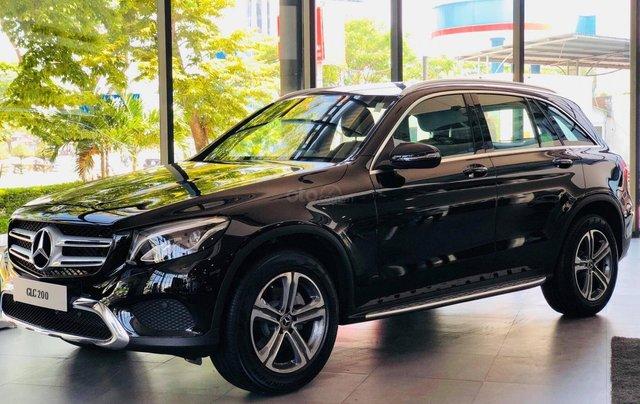 Giá xe Mercedes GLC 200 2019 khuyến mãi, thông số, giá lăn bánh 12/2019 tặng 50% phí trước bạ0