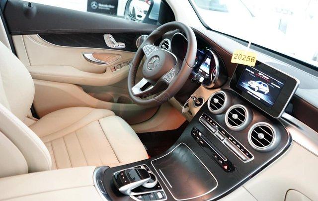 Giá xe Mercedes GLC 200 2019 khuyến mãi, thông số, giá lăn bánh 12/2019 tặng 50% phí trước bạ5