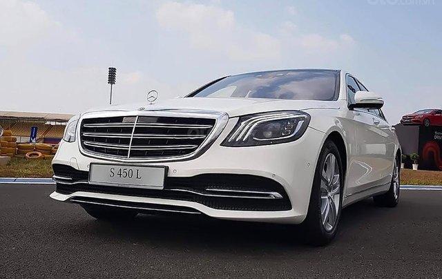 Cần bán xe Mercedes S450L năm 2019, màu trắng0