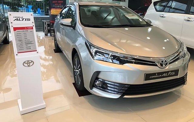 Bán Toyota Corolla altis 1.8G CVT đời 2019, màu bạc2