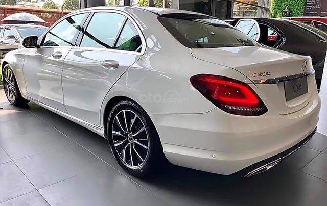 Bán xe Mercedes C200 2019, màu trắng1