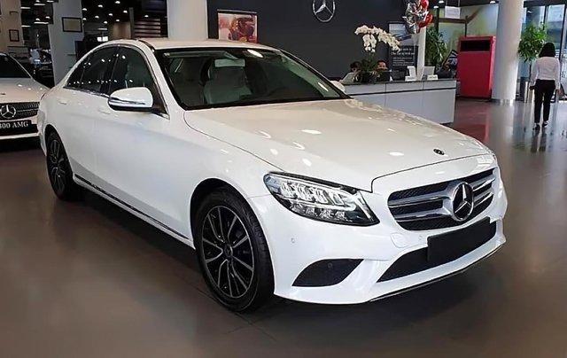 Bán xe Mercedes C200 2019, màu trắng4