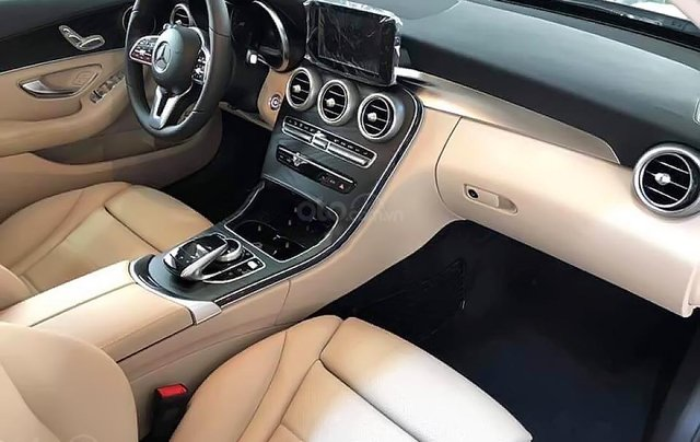 Bán xe Mercedes C200 2019, màu trắng3