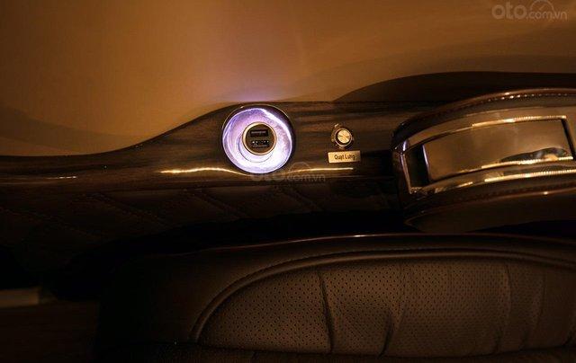 Bán Ford Limousine 10 chỗ xả hàng giảm 100 triệu, liên hệ 09338347964