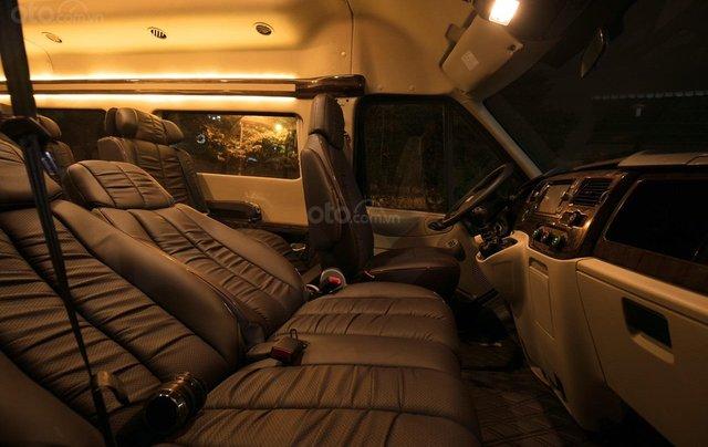 Bán Ford Limousine 10 chỗ xả hàng giảm 100 triệu, liên hệ 093383479616