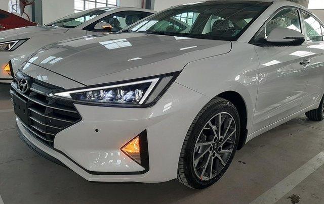 Hyundai Elantra bản Facelift new 100% giá tốt giao ngay tại Hyundai Sông Hàn, LH ngay Văn Bảo 0905.5789.523