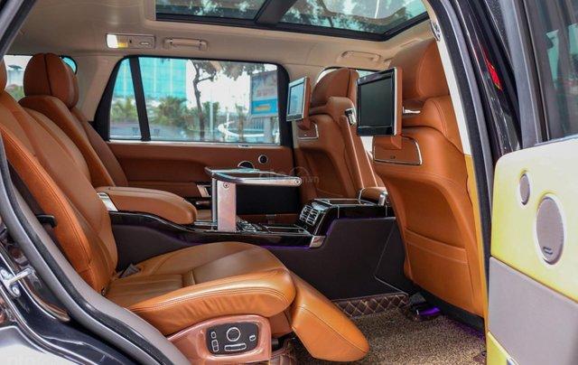 Bán LandRover Range Rover SV Autobiography 5.0 đời 2016, hai màu xám đen5
