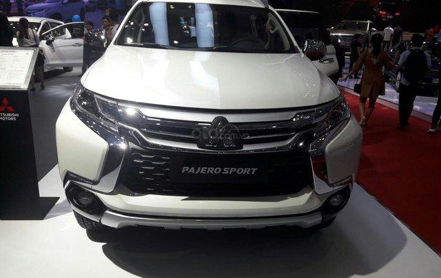 Giá ưu đãi đặc biệt Mitsubishi Pajero 2.4 MT 2019, gía dưới 888 tr0
