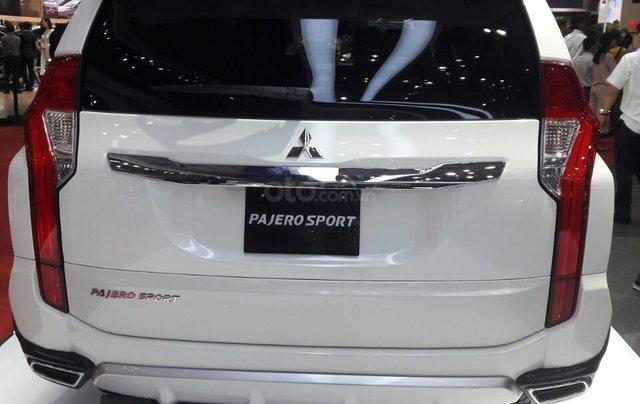 Giá ưu đãi đặc biệt Mitsubishi Pajero 2.4 MT 2019, gía dưới 888 tr1