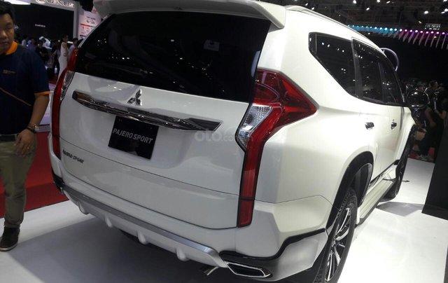 Giá ưu đãi đặc biệt Mitsubishi Pajero 2.4 MT 2019, gía dưới 888 tr3