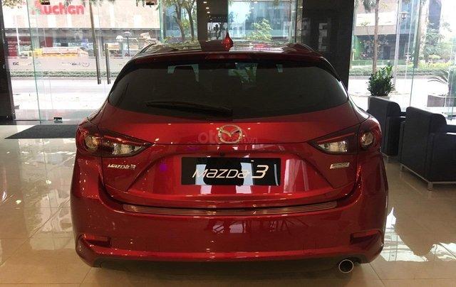 Mazda 3 1.5 giá cạnh tranh, siêu ưu đãi mùa ngâu lên đến 70tr4
