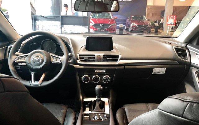 Mazda 3 1.5 giá cạnh tranh, siêu ưu đãi mùa ngâu lên đến 70tr6