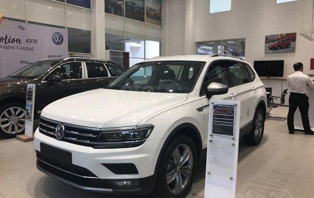 Volkswagen Tiguan Allspace 7 chỗ màu trắng, ưu đãi cực tốt giao ngay1
