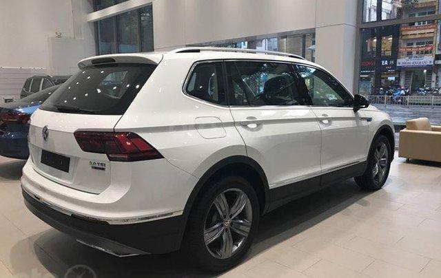 Volkswagen Tiguan Allspace 7 chỗ màu trắng, ưu đãi cực tốt giao ngay2