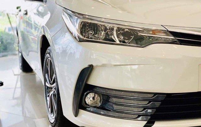 Cần bán xe Toyota Corolla Altis năm 2019, màu trắng2