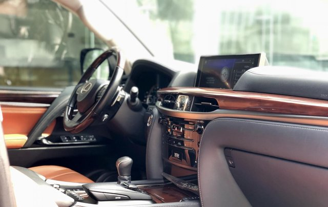 Bán Lexus LX570 Super Sport sản xuất 2018, màu đen siêu lướt, LH 094.539.2468 Ms. Hương19