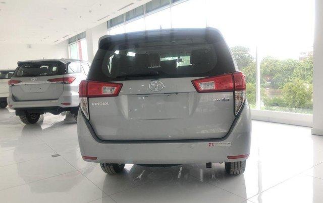 Cần bán xe Toyota Innova 2.0E đời 2019, xe giá thấp, giao nhanh toàn quốc3