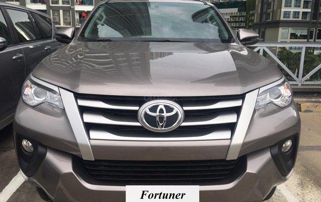 Bán Toyota Fortuner máy dầu, số sàn, khuyến mãi tốt tháng 9, LH: 090 145 09070