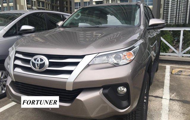 Bán Toyota Fortuner máy dầu, số sàn, khuyến mãi tốt tháng 9, LH: 090 145 09071