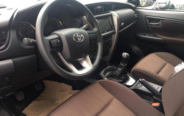 Bán Toyota Fortuner máy dầu, số sàn, khuyến mãi tốt tháng 9, LH: 090 145 09076