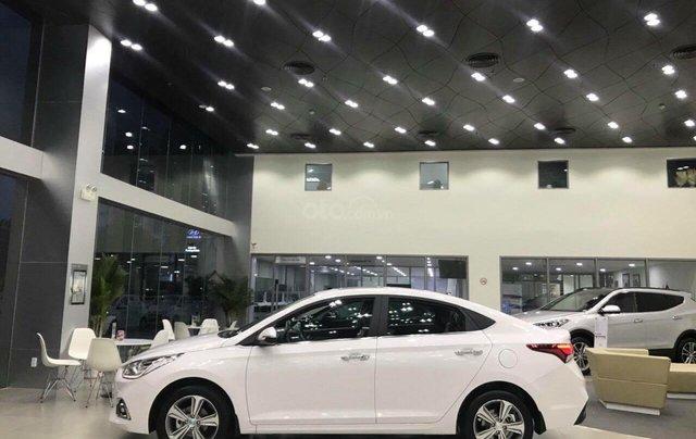 Hyundai Accent 1.4AT đặc biệt sản xuất 2019, màu trắng, xe giao ngay1