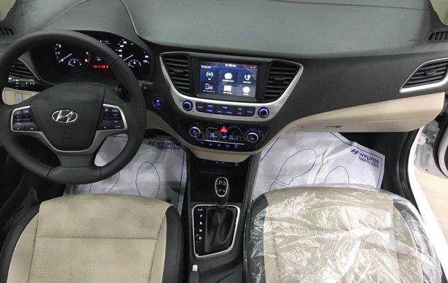 Hyundai Accent 1.4AT đặc biệt sản xuất 2019, màu trắng, xe giao ngay3