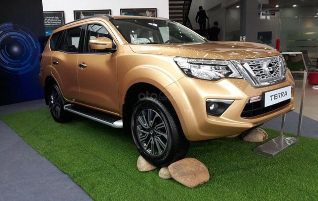 Bán xe Nissan Terra rẻ nhất miền Bắc1