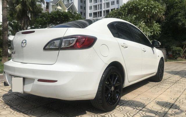 Bán xe Mazda 3 1.6 năm sản xuất 2014, màu trắng, giá tốt1