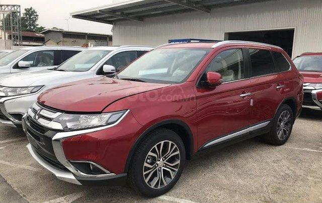 Giá xe Mitsubishi Outlander 2.0 CVT Premium 2019, màu đỏ, KM tặng hấp dẫn bất ngờ, LH 09090766224