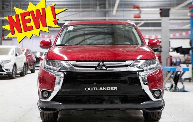 Giá xe Mitsubishi Outlander 2.0 CVT Premium 2019, màu đỏ, KM tặng hấp dẫn bất ngờ, LH 09090766220
