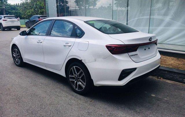 Cần bán Kia Cerato Standard MT năm sản xuất 2019, giao nhanh toàn quốc3