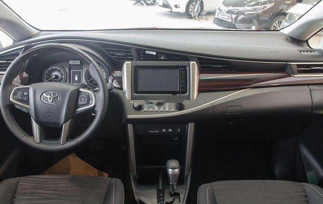 Cần bán chiếc Toyota Innova 2.0 AT Ventuner sản xuất 2019 giá cạnh tranh4