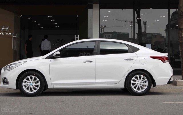 Hyundai Accent, xe sẵn giao ngay0