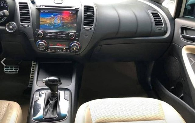 Cần bán gấp Kia Cerato 2.0 năm sản xuất 2016, màu trắng6