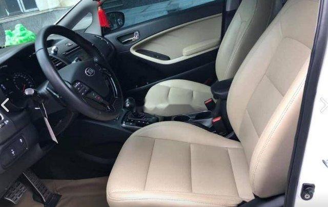 Cần bán gấp Kia Cerato 2.0 năm sản xuất 2016, màu trắng0