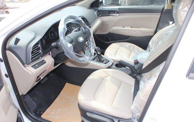 Bán xe Hyundai Elantra 1.6AT sản xuất 2019, giá tháp, giao nhanh2